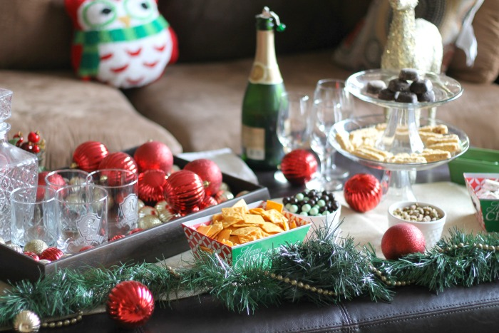 Last Minute Holiday Home Prep: Fast Snacks For Guests