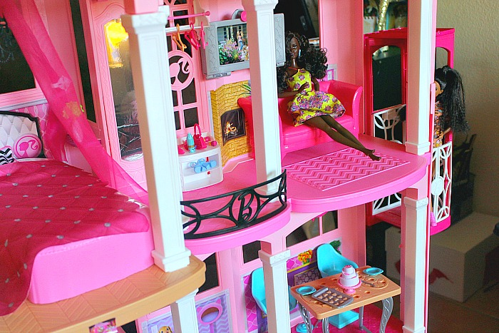 barbie-dream-house-1