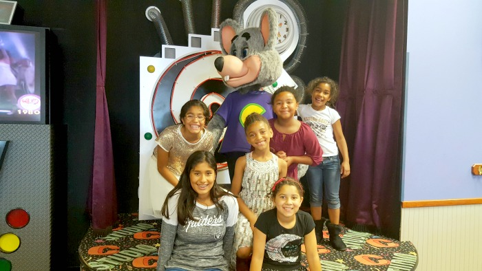 chuck e. cheeses birthday party